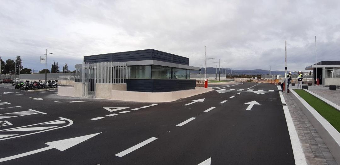 Urbanitzacions interiors, controls de pas en Naus industrials de Ctra Reus-Constanti de Reus